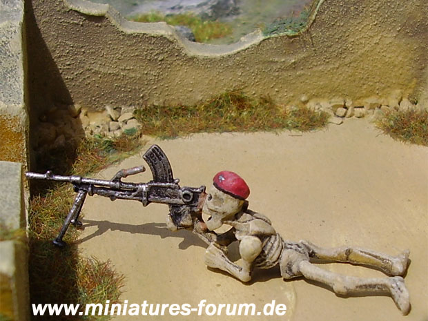 Games Workshop Skeleton Army figure converted to an undead British Paratrooper with Bren LMG