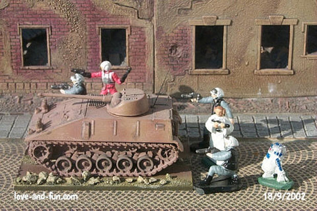 SPz kurz (20 mm BMK) provide fire support for Star Wars rebel troops, 1:87 H0 Modellbau ROCO 214
