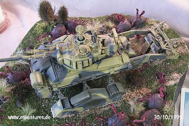 25 mm Sci-Fi Diorama featuring 1:35 Scale Sherman Tank Conversion